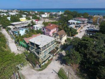 Dolphin Reef Villa, Belize Tropical Dream Villas